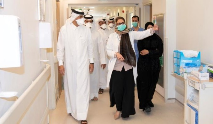 PM Visits Communicable Disease Center and Reviews Healthcare Services Provided to People with Cornavirus